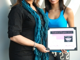 hair-and-makeup-seminar-certificate-presentation-by-kim-basran