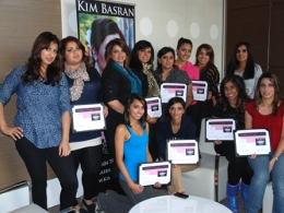 hair-and-makeup-seminar-students-with-certificates-by-kim-basran-1