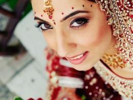 modern-and-traditional-indian-wedding-makeup-by-kim-basran-1