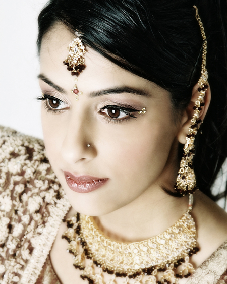 timeless-indian-wedding-makeup-by-kim-basran-1