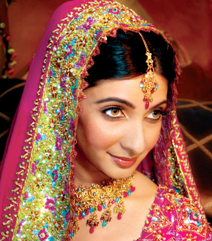 all-eyes-on-you-flawless-indian-wedding-makeup-by-kim-basran-1